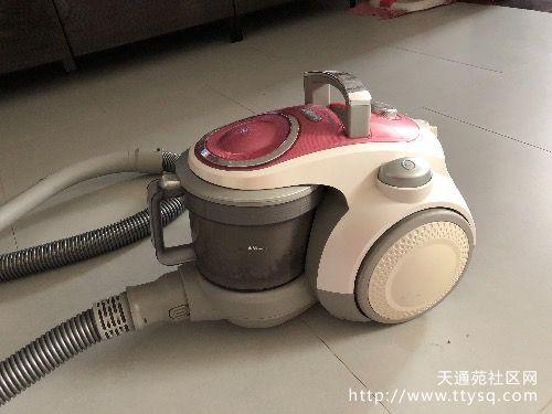 出售二手莱克吸尘器luxy吸尘器