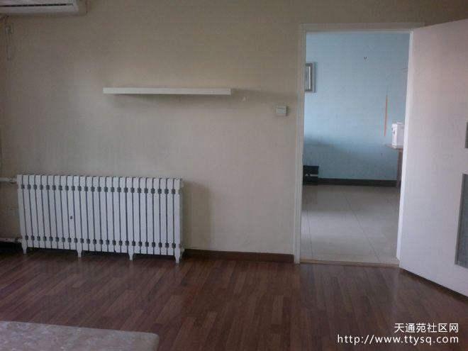 找一家合租,天通苑西三区主卧,带衣橱。两居室只住两家